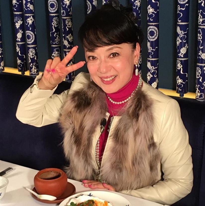 『マツコの知らない世界』で『魅せられて』を熱唱したジュディ・オング(画像は『JudyOngg_Official 2018年2月3日付Instagram「◆テレビ出演情報◆」』のスクリーンショット)