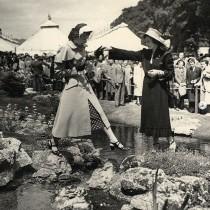 【イタすぎるセレブ達】エリザベス女王、若き日の貴重写真を公開 チェルシー・フラワーショー初のバーチャル開催受けて