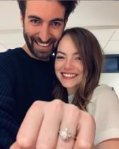 【イタすぎるセレブ達】エマ・ストーン秘かに結婚か? ファンら「婚約指輪が結婚指輪に変わってる!」