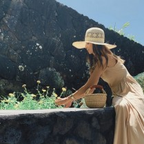【エンタがビタミン♪】吉川ひなの、ハワイでプチ自給自足ライフ ニワトリ飼い、ハーブ育て「最高に贅沢なお食事」の声