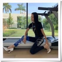 【イタすぎるセレブ達】ウェディングドレスの巨匠ヴェラ・ウォン(70)驚異の美ボディにネット騒然!