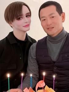 Mattと父親の桑田真澄氏(画像は『Matt様 2020年4月1日付Instagram「細やかですがお祝いしました」』のスクリーンショット)