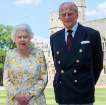 【イタすぎるセレブ達】エリザベス女王の夫フィリップ王配が99歳に 王室が最新ツーショットを公開