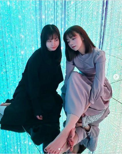 橋本環奈と池田エライザ(画像は『ELAIZA IKEDA 2020年2月28日付Instagram「FOLLOWERS 楽しめてますか?」』のスクリーンショット)