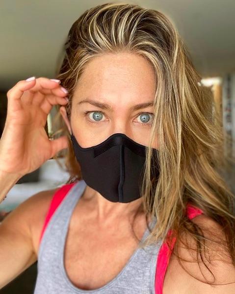 マスクの着用を切実に訴えるジェニファー・アニストン(画像は『Jennifer Aniston 2020年6月30日付Instagram「I understand masks are inconvenient and uncomfortable.」』のスクリーンショット)