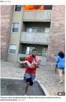 【海外発!Breaking News】炎が迫るバルコニーで放り投げられた3歳児、元フットボール選手が見事キャッチ(米)<動画あり>