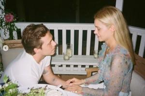 【イタすぎるセレブ達】ブルックリン・ベッカム、プロポーズはニコラ・ペルツの家族の前で レア写真公開