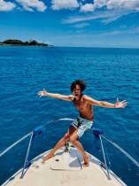 【エンタがビタミン♪】諸星和己、50歳誕生日はハワイで「こんなにも孤独とは…」 青い海をバックにヨガ姿も公開