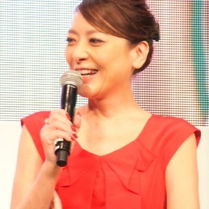 【エンタがビタミン♪】西川史子「初めて一緒に働いてます」友利新と白衣姿でツーショット