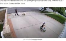 【海外発!Breaking News】毎晩、私設車道を自転車で走る抜ける男児へ 家主の対応が温かい(米)<動画あり>