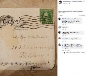 1920年10月29日の消印が押されたハガキ(画像は『Brittany Keech 2020年9月8日付Facebook「Ok so i received this in the mail today.」』のスクリーンショット)