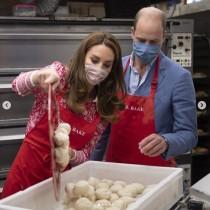 【イタすぎるセレブ達】ウィリアム王子&キャサリン妃、老舗ベーカリーでベーグル作りをお手伝い