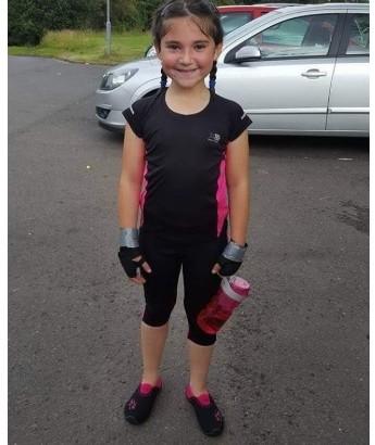 【海外発!Breaking News】突然背中の激痛に襲われた11歳少女、100万人に1人の難病で胸から下が麻痺状態に(英)