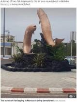 【海外発!Breaking News】完成間近だった魚の彫像 「卑猥だ」と苦情が相次ぎ取り壊される(モロッコ)