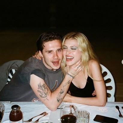 【イタすぎるセレブ達】ブルックリン・ベッカム、婚約者との入浴写真公開に呆れ声「もうイチャイチャ写真を見るのは疲れた」