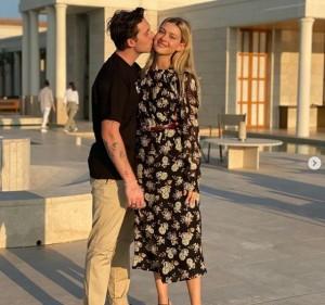 【イタすぎるセレブ達】ブルックリン・ベッカム、来夏に英米で挙式か 母ヴィクトリアはウエディングドレスをデザイン中
