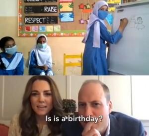 生徒達とピクショナリーゲームを楽しんだ夫妻(画像は『Duke and Duchess of Cambridge 2020年10月16日付Instagram「Pictionary with Pakistan」』のスクリーンショット)