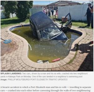 【海外発!Breaking News】妻の車が夫の車に衝突、壁を破壊し民家のプールに突っ込む(南ア)