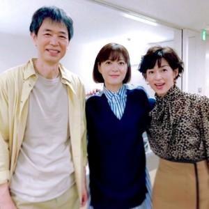 時任三郎、鈴木保奈美と上野樹里(画像は『上野樹里 2020年10月4日付Instagram「朝顔の父娘と、お隣のスタジオにて『SUITS』の撮影をしていた #鈴木保奈美 さんと一緒に」』のスクリーンショット)