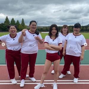 赤いブルマで登場した福田麻貴(画像は『3時のヒロイン ゆめっち 2020年10月8日付Instagram「ロンハースポーツテスト2020」』のスクリーンショット)