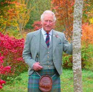 スコットランドの伝統衣装姿(画像は『Clarence House 2020年11月14日付Instagram「Thank you for all the well wishes on The Prince of Wales's 72nd Birthday!」』のスクリーンショット)