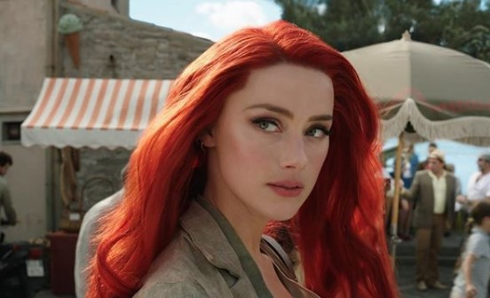 『アクアマン』でメラ役を演じたアンバー・ハード(画像は『Aquaman Movie 2019年4月22日付Instagram「Happy Birthday to our Mera, @amberheard!」』のスクリーンショット)