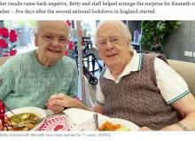【海外発!Breaking News】結婚71年の90代夫婦、施設に入居した認知症の夫に妻が涙のサプライズ「あなたなしでは生きられない」(英)