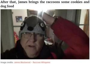 亡き妻の意志を継いだジェイムズさん(画像は『Bored Panda 2020年11月12日付「Every Night, This Man Feeds Hot Dogs To This Pack Of Raccoons As Per His Late Wife's Wish」(Image credits: James Blackwood - Raccoon Whisperer)』のスクリーンショット)
