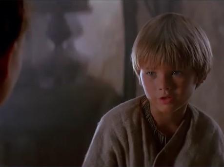 アナキン役を演じた、当時9歳のジェイク・ロイド(画像は『Star Wars India 2018年12月26日付Instagram「And yet too old to be trained.」』のスクリーンショット)