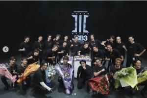 三代目JSBの10周年ライブに集結したEXILE TRIBE(画像は『Takanori Iwata 2020年11月11日付Instagram「人生」』のスクリーンショット)