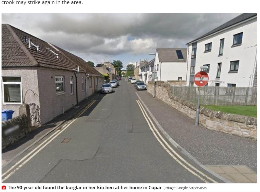 ミシュリーヌさんは近隣住民に泥棒への警戒呼びかけも(画像は『Mirror 2020年11月25日付「Fearless grandma fights off 'wee sh**e' burglar two days before her 90th birthday」(Image: Google Streetview)』のスクリーンショット)