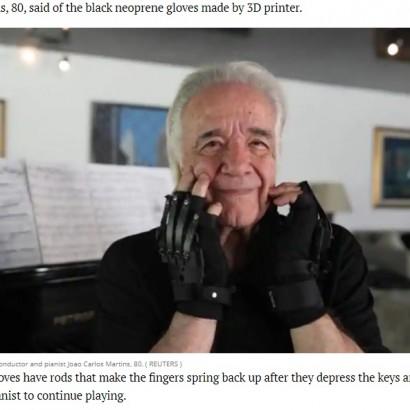 【海外発!Breaking News】強盗と病に襲われ演奏できなくなったピアニスト 特製手袋で20年以上ぶりにピアノ弾き涙(ブラジル)<動画あり>