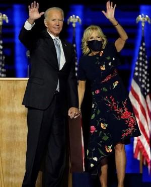 """【イタすぎるセレブ達】勝利演説でのドレスが即完売 """"新ファーストレディ""""ジル・バイデンさんが今後はロールモデルに"""