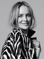 【イタすぎるセレブ達】『氷の微笑』の美脚健在! シャロン・ストーン「62歳の今もモデルができることに感謝」