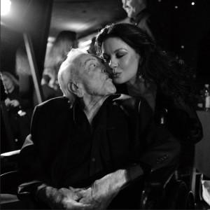 実の娘のように可愛がられていたキャサリン・ゼタ=ジョーンズ(画像は『Catherine Zeta-Jones 2020年12月9日付Instagram「Missing you every day.」』のスクリーンショット)