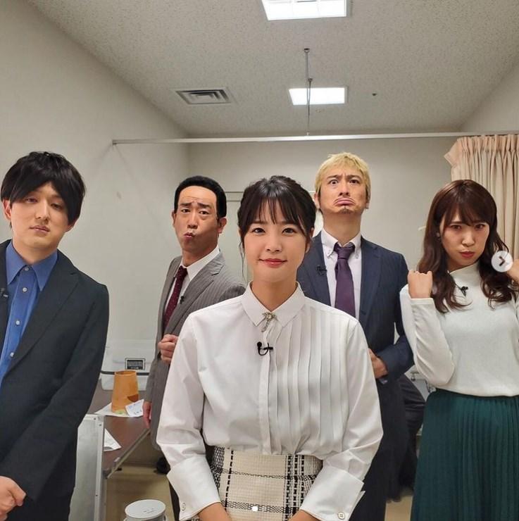 久代萌美アナと芸人たちによる『ワイドナショー』ものまねユニット(画像は『原口あきまさ 2020年12月12日付Instagram「全力で参加させて頂きました」』のスクリーンショット)