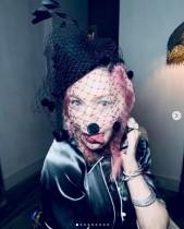 マドンナ、子供達6人全員とのレア動画公開 ファンから称賛の声「美しいファミリー」