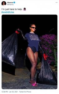 """トランプ前大統領を""""始末""""するリアーナ(画像は『Rihanna 2021年1月20日付Twitter「I'm just here to help.」』のスクリーンショット)"""