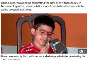 【海外発!Breaking News】「神の奇跡」十字架のペンダントで命拾いした9歳少年 胸の銃弾食い止める(アルゼンチン)