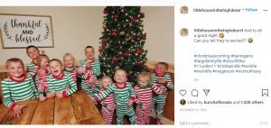 元気いっぱいの11人の子供たち(画像は『Courtney Rogers 2020年12月25日付Instagram「And to all a good night」』のスクリーンショット)