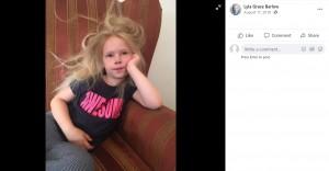 髪が逆立っているライラちゃん(画像は『Lyla Grace Barlow 2018年8月17日付Facebook』のスクリーンショット)
