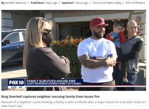 無事に避難できたニコルさんとデイヴィッドさん(画像は『FOX 10 Phoenix 2021年1月5日付「Ring Doorbell captures neighbor rescuing family from house fire」』のスクリーンショット)