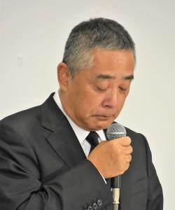 2019年7月22日、会見での岡本昭彦社長