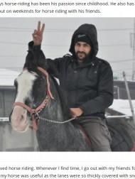 【海外発!Breaking News】馬に乗って荷物を届けたAmazon配達員に「許可した上司も素晴らしい」の声(印)<動画あり>