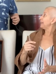 【海外発!Breaking News】丸刈りにした乳がんの母親、サプライズで娘と息子も後に続き感極まる(プエルトリコ)<動画あり>