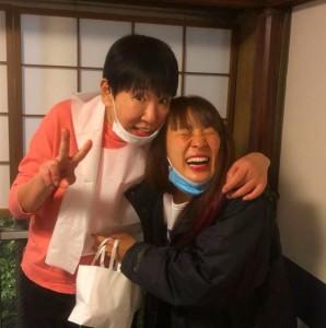 多忙なフワちゃんを気遣う和田アキ子(画像は和田アキ子 2020年12月4日付Instagram「こないだ、リハ終わりに赤坂で食事をしている時に、フワちゃんと連絡取っていて」』のスクリーショット)