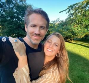【イタすぎるセレブ達】ライアン・レイノルズ、妻ブレイク・ライブリーのヘアカラーを手伝う姿にファン「最高のバレンタイン投稿」