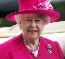 【イタすぎるセレブ達】エリザベス女王、コーギーの子犬2匹を新たに飼い始める