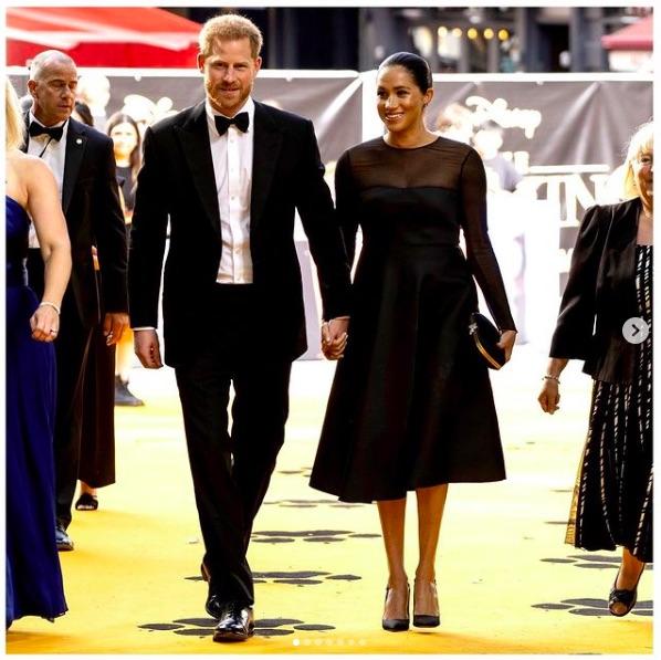 """ヘンリー王子夫妻は「由緒ある英王室の一員」から""""リアリティースター""""に成り下がった?(画像は『The Duke and Duchess of Sussex 2019年7月14日付Instagram「This evening, The Duke and Duchess of Sussex attended #TheLionKing European premiere in London at the Odeon Theatre.」』のスクリーンショット)"""