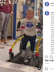 【海外発!Breaking News】全身麻痺から懸命のリハビリで自ら歩けるまでに回復した2歳男児 弾ける笑顔に心打たれる(米)<動画あり>